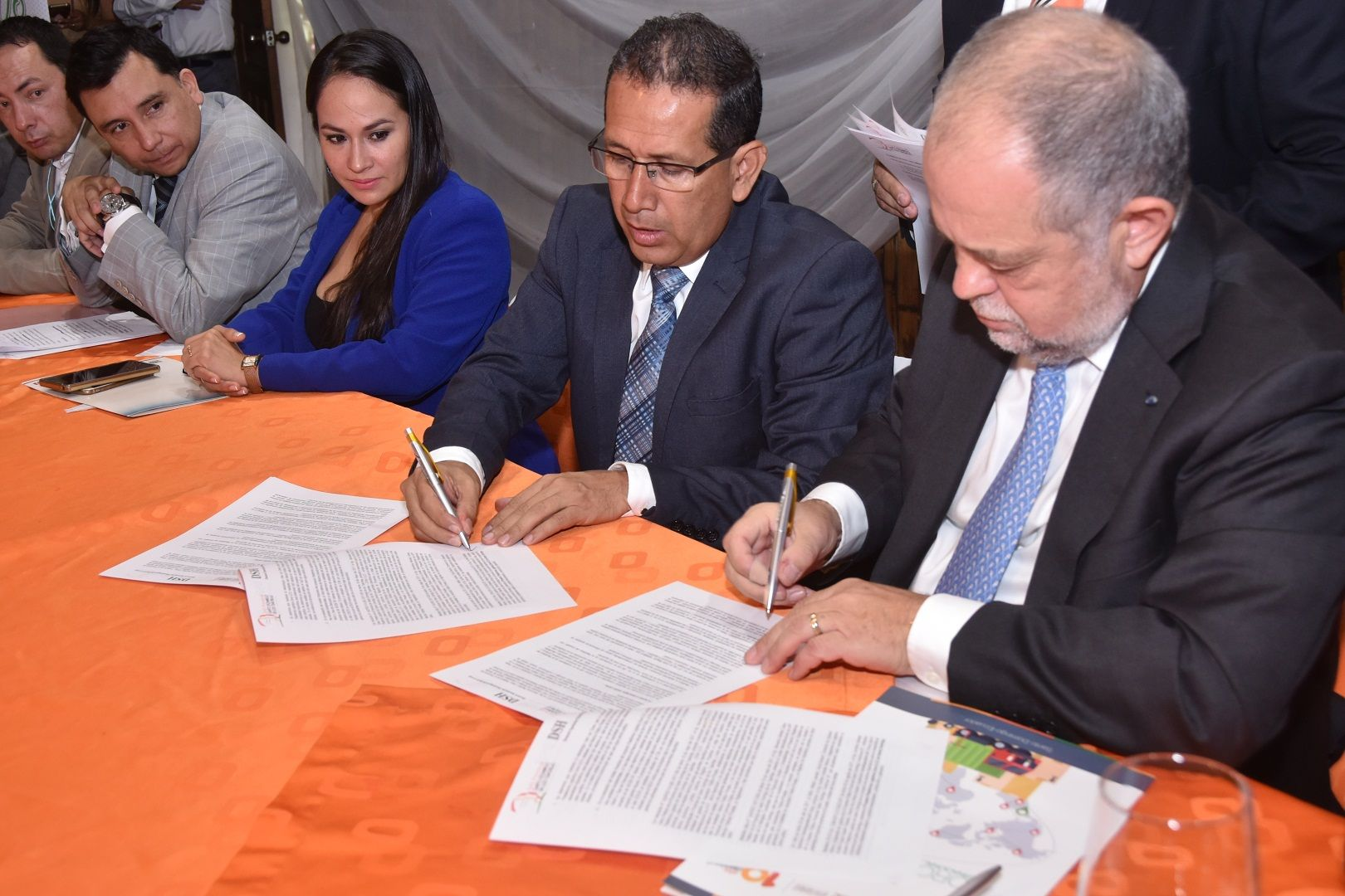 Photo of Se suscribió memorando de entendimiento para financiar la Plataforma Logística