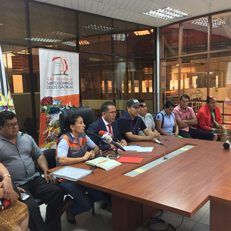 Photo of Trabajadores y dirigentes respaldan movilización. Tsáchilas están divididos