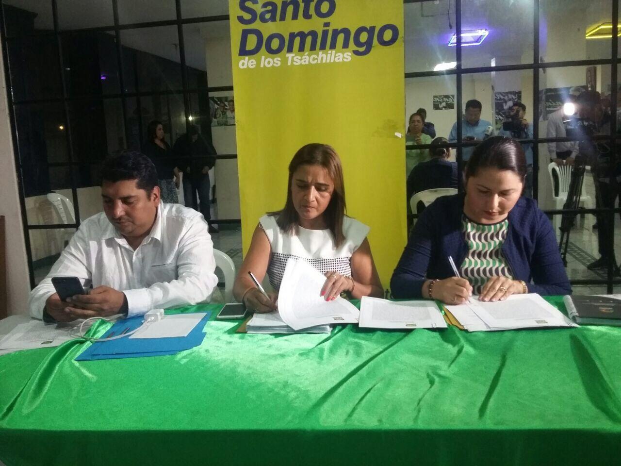 Photo of Alianza País sanciona a nueve militantes