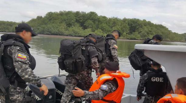 Photo of Operación antidrogas en Mompiche-Esmeraldas dejó un policía herido y un sospechoso fallecido
