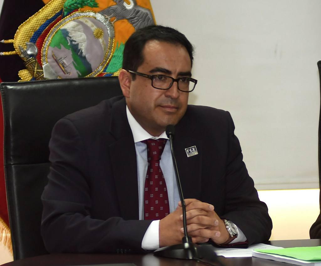 Photo of Renunció Fiscal (e) Paúl Pérez