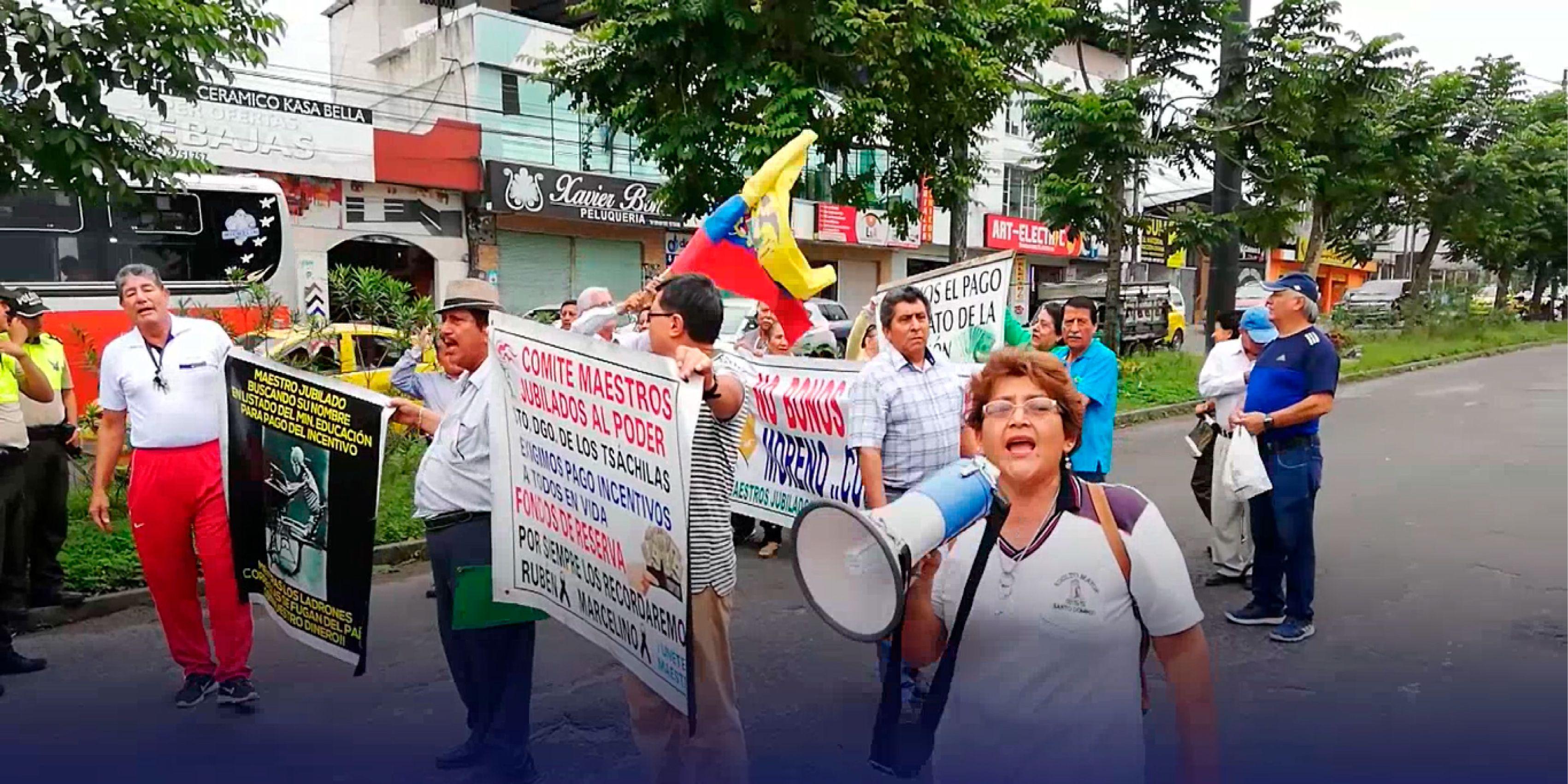Photo of Maestros jubilados denuncian incumplimiento por parte del Gobierno