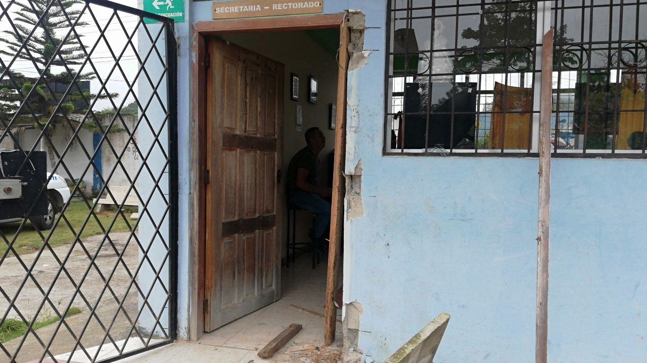 Photo of Roban en Unidad Educativa de Santo Domingo