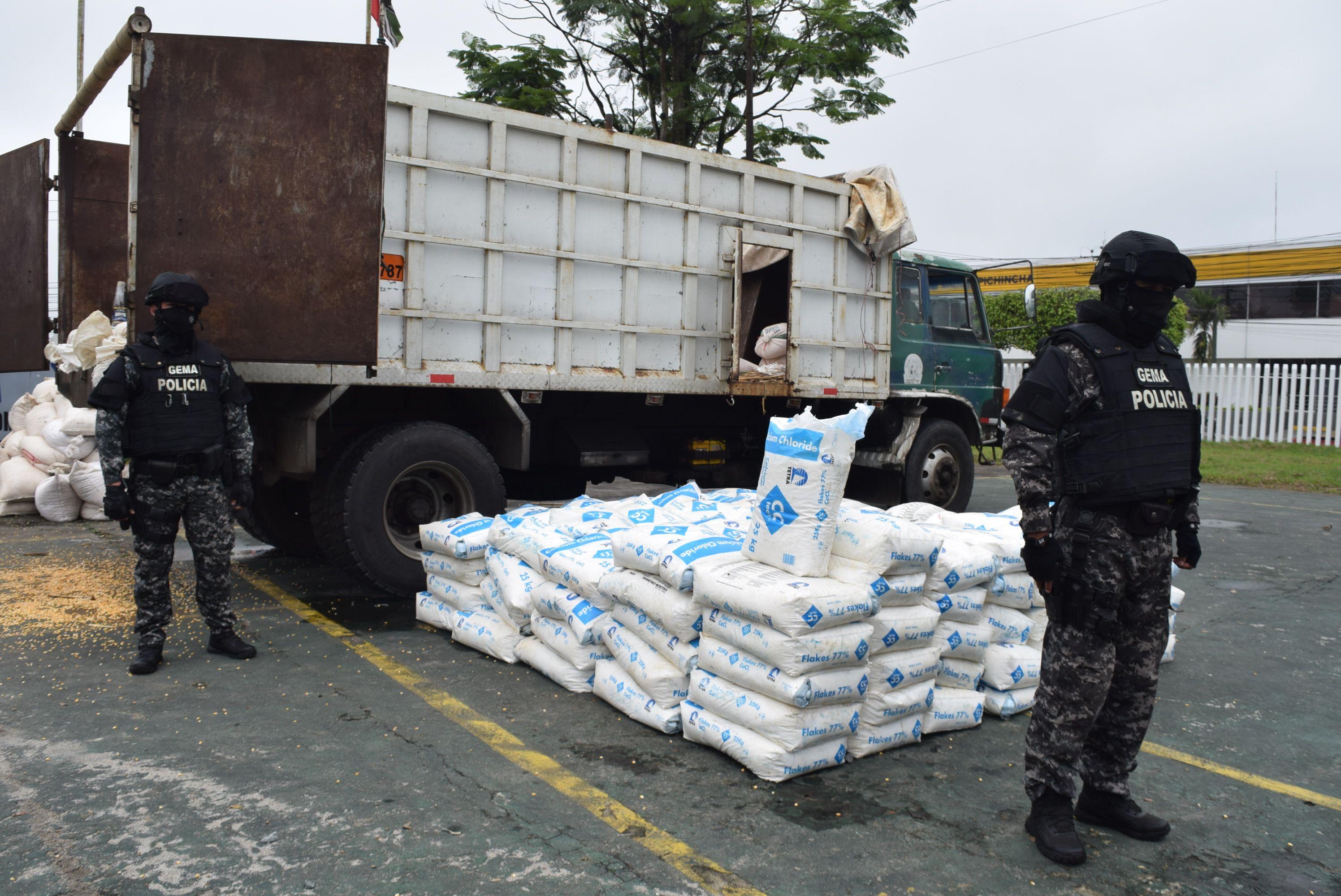 Photo of Químicos para hacer droga estaban camuflados en maíz