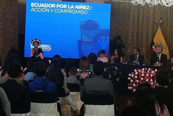 Photo of Niña saraguro pide a presidente que no persiga a indígenas