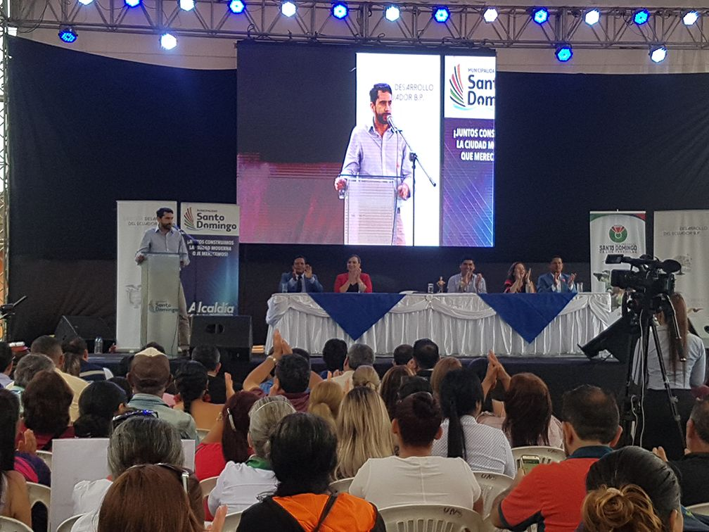 Photo of BDE entregó créditos a Municipio y Gobierno Provincial