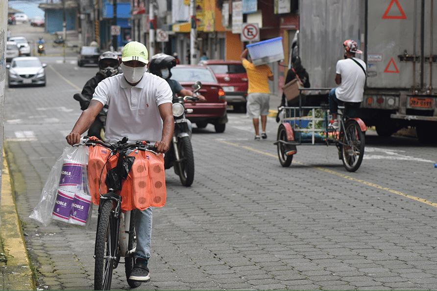 Photo of Centro de Santo Domingo y parroquia urbana Bombolí albergan más casos por COVID-19