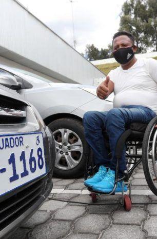 Placa diferenciada para carros de personas con discapacidad