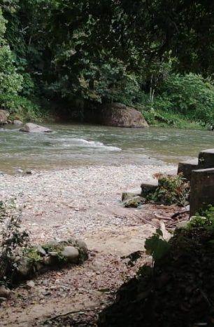Retiran basura del río El Poste