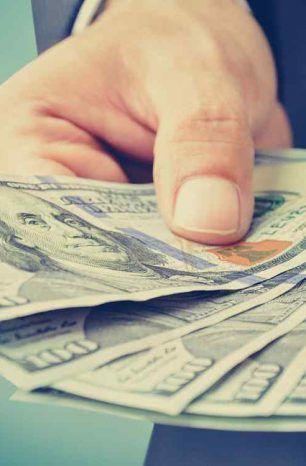 Salario básico se mantendrá en USD 400 en el 2021