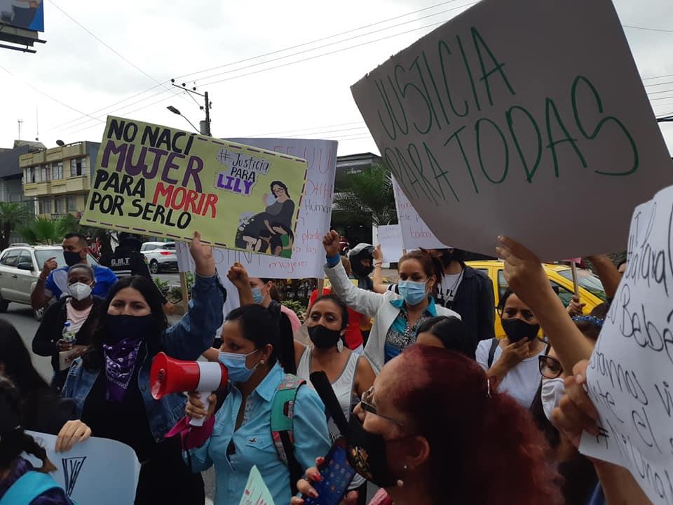 Photo of Plantón contra la violencia a la mujer en Santo Domingo