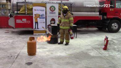 Photo of Cuerpo de Bomberos dio un simulacro para el buen uso de extintores